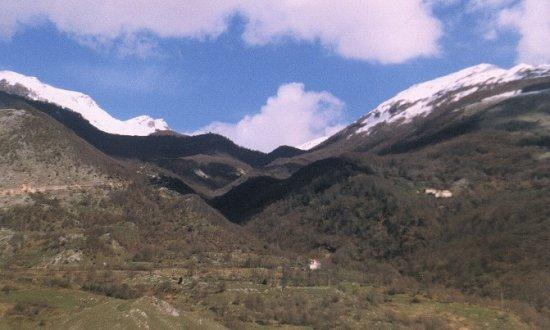 Il passo fra Monte Cavallo e Monte Mare.