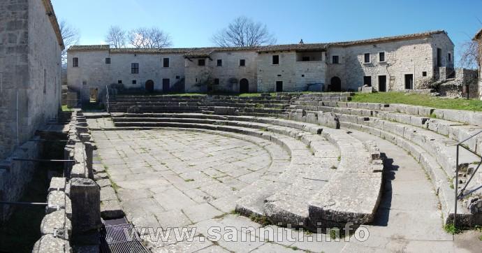 Saepinum - Il Teatro.